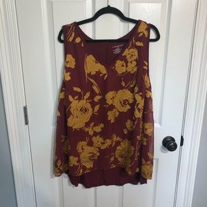 Maroon and gold tank
